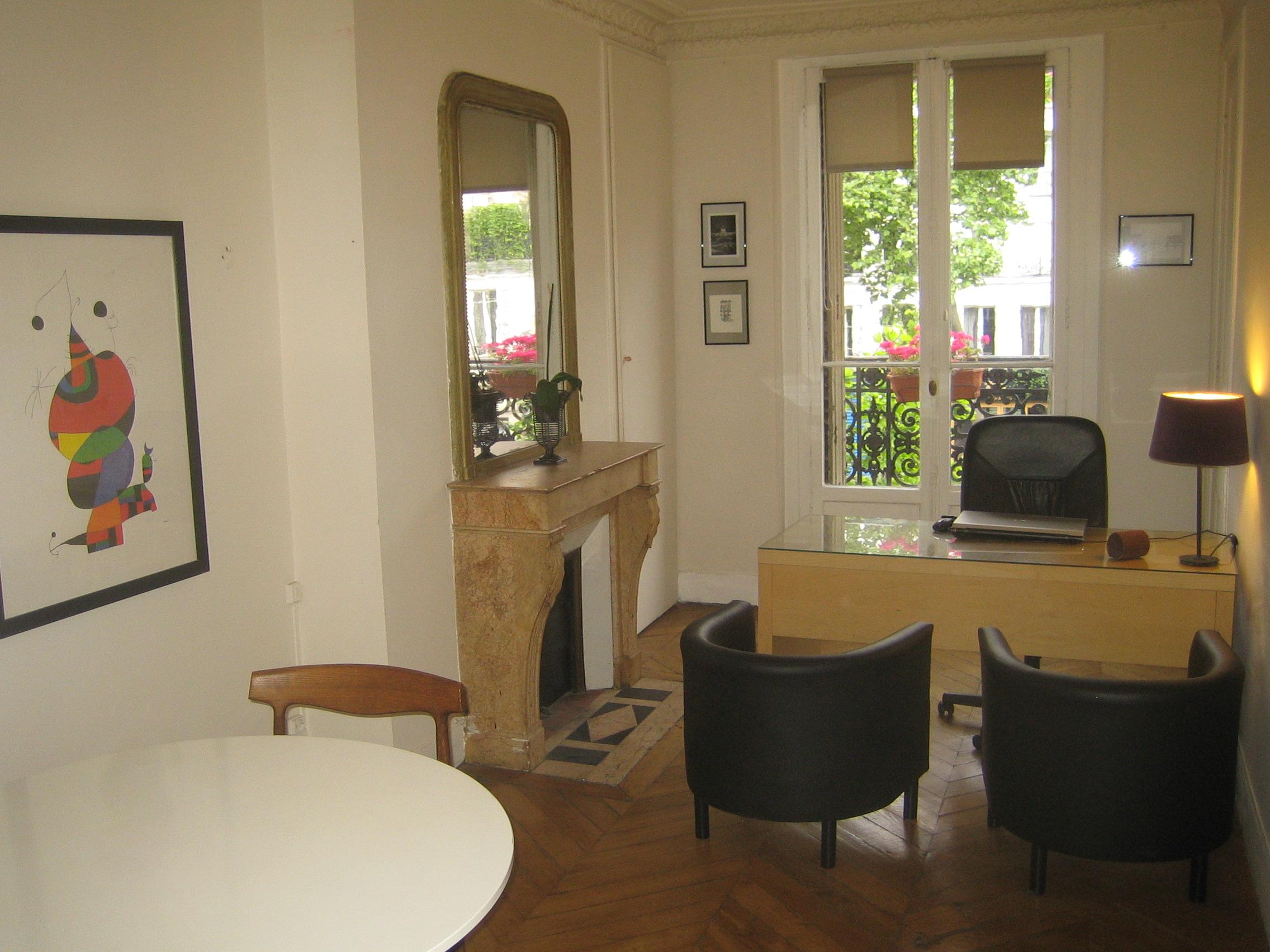 Cabinet Davocat Parisien Propose A La Sous Location Pour Un Loyer Mensuel De  E Ht Supplement Si Plusieurs Confreres Un Beau Bureau Denviron  M