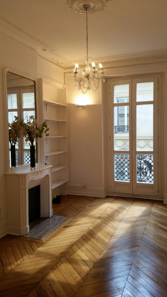 Le Cabinet Se Situe En Plein Coeur Du E Arrondissement Entre Les Stations Miromesnil Et Saint Augustin Au E Etage Dun Immeuble Haussmannien Interphone